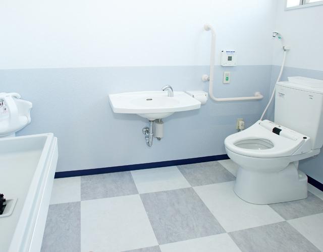 スウィン鷲宮多目的トイレ